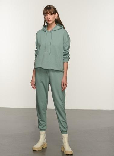 NGSTYLE NGSTYLE Kadın Kanguru Cepli Sweatshirt NGKSS21SW0004 Yeşil